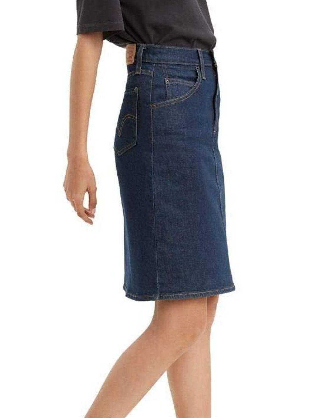 Falda Levis Classic Skirt Mid Rise Straight A-Line de mujer